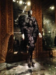 Living with ankan: #ALEXANDERMACQUEEN @V_and_A  #SAVAGEBEAUTY A MUST ...