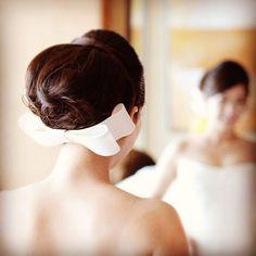 Instagram media ma4x27 - やまとなでしこヘア♡ずっとやりたかったヘアスタイルです♡結婚がきまった時から挙式では絶対これ!と決めていました♡ #ウェディングヘア #weddinghair #おりぼんボンネ #エリ松居 #リボンボンネ