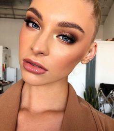 everyday makeup looks, natural makeup looks, no makeup makeup, affordable makeup. - US Makeup Trends Bridal Eye Makeup, Gold Eye Makeup, Eye Makeup Tips, Makeup Hacks, Glam Makeup, Skin Makeup, Wedding Makeup, Brown Makeup, Makeup Products