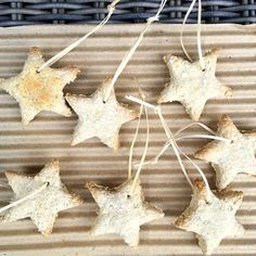 Oatmeal Playdough Christmas Stars taste-safe sensory fun that doubles up as diy Christmas decorations too! We're hanging ours on the tree right now. Instructions: http://ift.tt/2gOFHTJ #sensory #diy #christmas #christmasdecor #christmastree