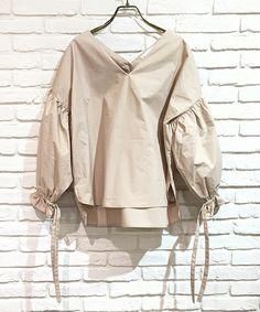 【ZOZOTOWN|送料無料】FEMIND TOKYO(フェマイントウキョウ)のシャツ/ブラウス「ボリュームブラウス」(171204033)を購入できます。