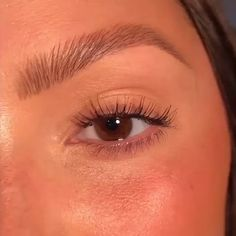 Easy, quick & effective brow routine for natural full looking brows by Eyebrow Makeup Tips, Makeup Eye Looks, Skin Makeup, Makeup Art, Makeup Brushes, Beauty Makeup, Brow Tutorial, Makeup Looks Tutorial, Natural Brows