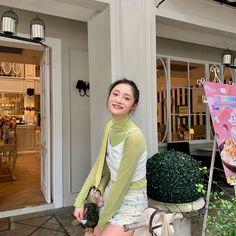 Ioi Pinky, Girl Drawing Pictures, Uzzlang Girl, Korean Couple, Aesthetic Images, Ulzzang Fashion, Kpop Girls, Cool Girl, Style Inspiration