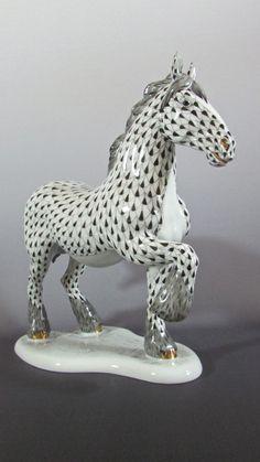 Herend Porcelain Black Fishnet #Clydesdale Horse 15690 SVHNM  #Herend
