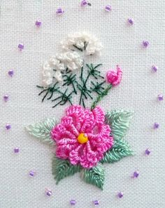 Brazilian Embroidery Tutorial RosalieWakefield-Millefiori: A Pansy in Brazilian Dimensional Embroidery Brazilian Embroidery Stitches, Types Of Embroidery, Learn Embroidery, Hand Embroidery Designs, Ribbon Embroidery, Cross Stitch Embroidery, Embroidery Patterns, Embroidery Needles, Cross Stitch Floss