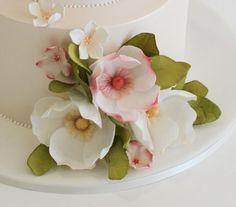Faye Cahill Sugar Flowers