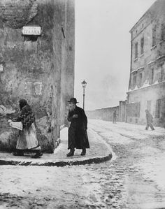 Isaac Street, Kazimierz, the Jewish Sector dates to the Middle Ages. Cracow Poland by Roman Vishniac, 1938