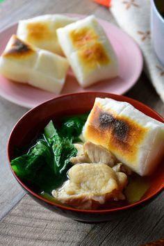 いつも食べたい♥シンプル♥お雑煮【#さっと煮 #おもち #こまつな #鶏肉 #ヤマキだし部】 レシピブログ Japanese Food, Foods, Drink, Ethnic Recipes, Food Food, Food Items, Beverage, Japanese Dishes