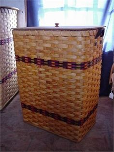 Amish Country Large Square Hamper Basket with Wood Lid