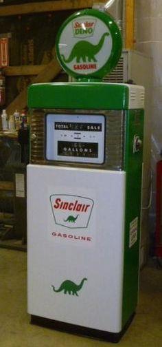 Dino Sinclair Gasoline Salt /& Pepper Shaker Set