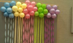Recipes from Stephanie: Balloon Cluster Decoration with Streamers