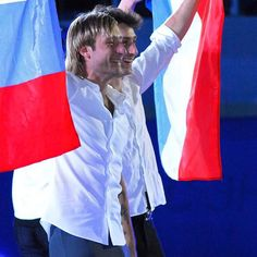 「#patinage #iceskating #brianjoubert #equipedefrance #sport #unique #hairstyle #gara #poitevin #babou  #brian #joubert #figureskater #athlete #gorgeus…」