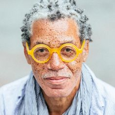 40 Fascinating Pictures of People With Freckles Afro Punk, Rock Im Park, Pretty People, Beautiful People, Photoshop Art, Freckle Face, Mens Glasses, Funky Glasses, Old Man Glasses