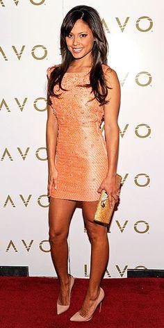Vanessa Minnillo, apricot dress with blush stilettos Weather Wear, Warm Weather, Nick And Vanessa, Vanessa Minnillo, Apricot Dress, Miss Teen Usa, Woman Smile, Nude Heels