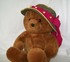 Vintage Teddy Bear and Hat with Chocolate Candy by pinkpainter