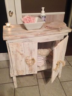 Reused #Pallets Bathroom Cabinet - 10 Recycled & Upcycled Pallet ideas and projects | 99 Pallets