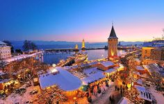 One of my favorite places on earth!Christmas market, Lindau DE