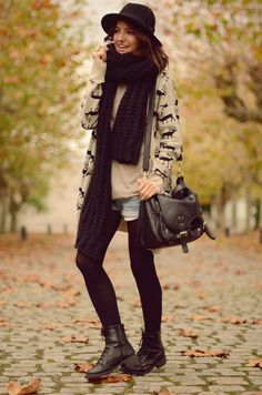 I wish I could look this cool wearing shorts & tights in the winter!!