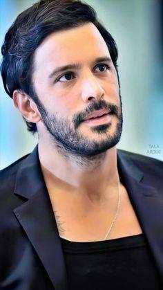 Turkish Actors, Barista, Tv Series, Celebrities, Turkish Men, Hot Actors, Gatos, Celebs, Celebrity