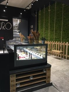 ‪#WeLovePuro‬ is an #icecream #parlour franchising‬ born in 2014 near Salerno. Within two years, stores have become five, this is Welovepuro at Aix en Provence. A distinctive feature of Puro #style is the #furniture‬. Entirely made from pallets and other reclaimed materials. For this place‬, Orion provided #technology and #performance of its #KT24 #display #cabinet.‬ #showcase #arredamento #vetrina #vetrine #banco #refrigerato #gelateria #gelato #interiordesign #madeinitaly #design