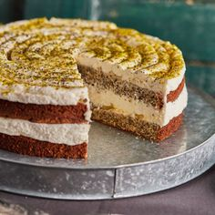 Citromos máktorta lemon curddel | Street Kitchen Tiramisu, Hamburger, Cake Recipes, Mousse, Food And Drink, Lemon, Ethnic Recipes, Sweet, Poppy