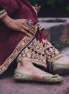 Pakistani Couture, Pakistani Bridal Dresses, Pakistani Dress Design, Pakistani Outfits, Bridal Lehenga, Salwar Pattern, Kurti Patterns, Embroidery Fashion, Gold Embroidery