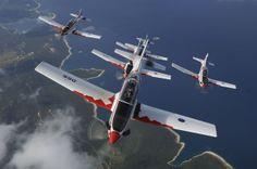 Croatie et sa patrouille des Krila Oluje (les Ailes de la Tempête) évoluant sur six Pilatus PC-9M.