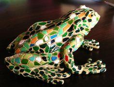 Żaba w stylu Gaudi'ego 2