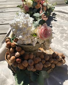Sofreh Aghd with a Rustic Bohemic touch! #sofrehaghd#sofrehaghd#persianwedding