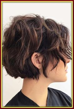 Shaggy Bob ❤ Looking for perfect hairstyles for thin hair. Shaggy Bob ❤ Looking for perfect hairstyles for thin hair? Meet the best braided half up half down styles and bun or ponytail updo ideas for everyone: from medium to long lengths. Short Wavy Hairstyles For Women, Short Curly Hair, Short Hair Cuts, Easy Hairstyles, Curly Hair Styles, Thin Hair, Curly Bob, Prom Hairstyles, Celebrity Hairstyles