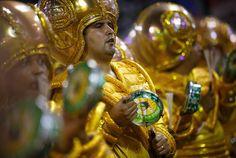 Rio, 2014 - A bateria apareceu vestindo dourado