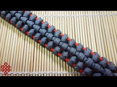 How to Make the Traitor Knot Paracord Bracelet Tutorial - YouTube