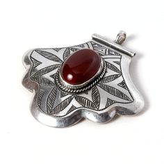 Pandantiv tuareg hamsa argint și cornalină #metaphora #silverjewelry #tuaregjewelry #pendant #carnelian #hamsa Carnelian, Hamsa, Silver Jewelry, Gemstone Rings, Jewellery, Gemstones, Pendant, Jewels, Gems