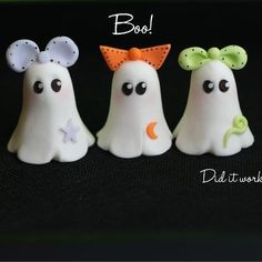 Cute Ghosty figurines - These would be cute in glow & the dark clay. Polymer Clay Halloween, Polymer Clay Figures, Fimo Clay, Polymer Clay Projects, Polymer Clay Charms, Polymer Clay Creations, Polymer Clay Art, Clay Crafts, Cute Clay