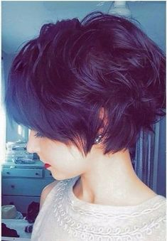 The pixie haircut is nevertheless on trend and is the excellent way to stand out in the crowd. Here are Short Wavy Pixie Hairstyles for try! Short Wavy Pixie, Short Dark Hair, Short Hair With Layers, Short Hair Cuts, Red Pixie, Short Shag, Wavy Pixie Haircut, Purple Pixie, Haircut Long