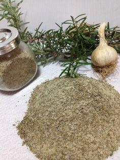 Seasoned Salt, Spices And Herbs, Bolognese, Secret Recipe, Spice Blends, Gardening For Beginners, Antipasto, Food Design, Chutney