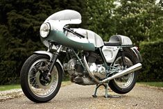If you had to make a list of the most desirable sporting motorcycles of the 1970s, the Ducati 750SS would be near the top.