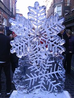 Christmas Ice Sculptures | Snowflakes - Christmas Ice Sculptures 2009