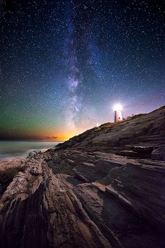 Pemaquid Point Lighthouse in Bristol, Maine (Pemaquid Rocks - Moe Chen) Beautiful Sky, Beautiful World, Beautiful Places, Landscape Photography, Nature Photography, Cool Pictures, Beautiful Pictures, Sky Full Of Stars, Light In