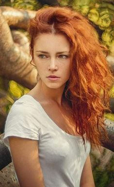 When we talk about red hair colors, we all think of a striking, intense hair color. Indeed, the shades of red hair have a completely different feel! I Love Redheads, Hottest Redheads, Beautiful Red Hair, Beautiful Women, Simply Beautiful, Redhead Hairstyles, Korean Hairstyles, Men Hairstyles, Red Heads Women