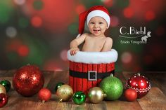 Biehl Photographing: Photography is the best memory! Toddler Christmas Photos, Christmas Mini Sessions, Childrens Christmas, Merry Christmas Baby, Christmas Minis, Babies First Christmas, Christmas Scenery, Christmas Photo Props, Foto Montages