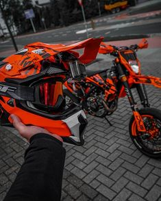 Ktm Dirt Bikes, Cool Dirt Bikes, Dirt Bike Gear, Ktm Motorcycles, Motocross Love, Motorcross Bike, Cruiser Motorcycle, Motard Bikes, Ls2 Helmets