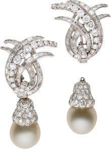 Découvrez un nos magnifiques colliers pierre de lune ! Vous découvrirez un grand nombre de colliers différent ! N'hésitez pas à venir jeter un coup d'oeil à notre boutique Pierre-lune.fr ! Vous ne serez pas déçue ! Pearl And Diamond Earrings, Pearl Jewelry, Diamond Jewelry, Jewelery, Vintage Jewelry, Fine Jewelry, Jewellery Earrings, Diamond Necklaces, Dangle Earrings