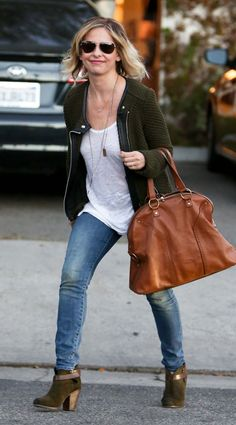 Sarah Michelle Gellar Street Style - Out in Los Angeles, November 2014,