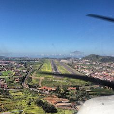 Cleared to land RWY 12. Perfect day to fly! #gcxo #aviation #aviacion #piper #p28a #pa28 #archer2 #landing #cockpitview #runway #sky #blue #...