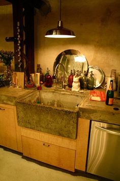 hmmmm, was planning on making concrete counter tops for the kitchen.  never thought of making concrete sink too....