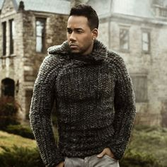The King of Bachata - Romeo Santos Latin Music, Latin Dance, Chunky Knitwear, Fall Lookbook, Knitting Designs, Sexy Men, Eye Candy, Youtube, Men Sweater