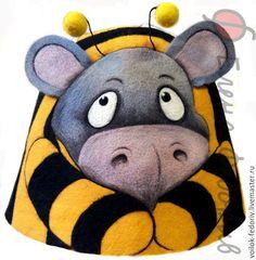 """Шапка для бани """"Пчелобегемот"""" – купить или заказать в интернет-магазине на Ярмарке Мастеров   Шапка сделана по рисунку одной замечательной…"""