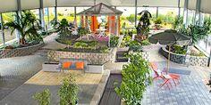 Ganzjährig für euch geöffnet könnt ihr auch bei jedem Wind und Wetter die Gartenplanung in unserer Ausstellungshalle vorantreiben. Wir beraten euch gerne! Halle, Park, Outdoor Decor, Home Decor, Stone Path, Children Playground, Paving Stones, Beautiful Homes, Deck Gazebo