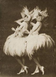 Varieté von heute. Die Daney Sisters, französisch-amerikanische Varietéstars, Variete Zirkus Kabarett, 1925